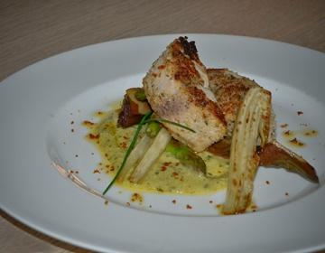 Ricetta Pesce spada in crosta di pane di Altamura profumato con polvere di fiori di capperi ibei e olive nere alla cenere