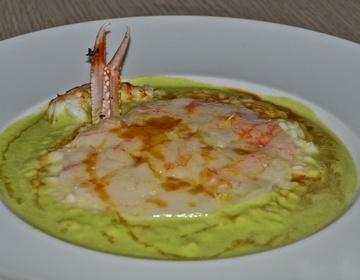 Ricetta Code di scampi con composta di avocado, mozzarella pugliese, pomodori in erba cipollina